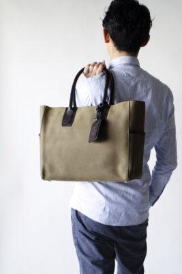 【プレゼント】レザートートバッグが男性に人気。CROSBY-II MILITARY GREEN ミリタリーグリーン