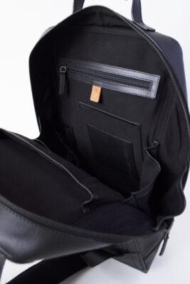 AVERY: ユニセックス バックパック・リュック 物が取り出しやすい広い間口