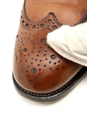 革靴お手入れ汚れと一緒に汗や古いクリームも落とすので、通気性も良くなります。