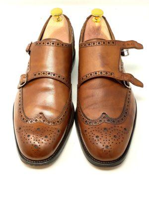 革靴お手入れ左側がクリーニング前・右側がクリーニング後