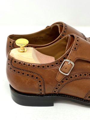 革靴お手入れ前の状態:全体的に擦れた跡がある。