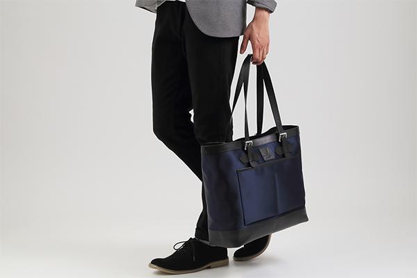 多機能ナイロントートは、いま使いやすいビジネスバッグ